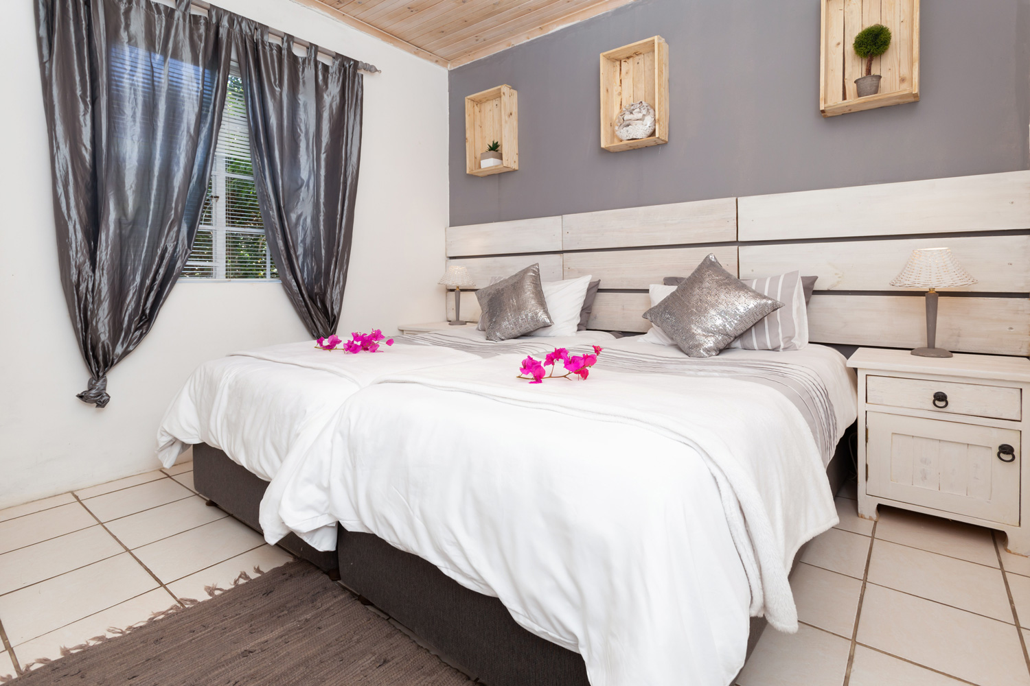 Milkwood Cottage Self Catering Accommodation in Chelsea Main Bedroom
